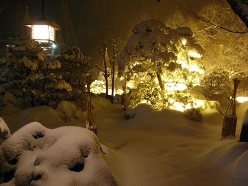 山梨県 温泉宿 「積雪24センチ!!」・・春は?
