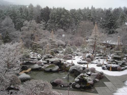 河口湖周辺 温泉宿 また雪が・・・