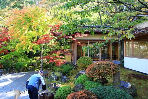 庭園の紅葉情報No.9 富士山温泉ホテル鐘山苑