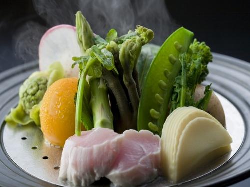 四季彩ダイニング美厨 厳選素材料理